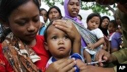 Vaksin MR menjadi kontroversi di masyarakat.