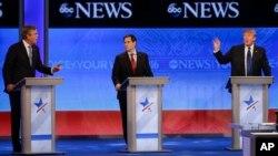 Jeb Bush ve Donald Trump arasındaki tartışmanın ortasında kalan Marco Rubio