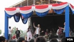 Lagu-lagu yang dibawakan grup 'Remarkable Current' ini sarat dengan pesan-pesan dakwah.
