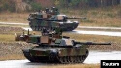 """AQShning """"Abrams"""" tanklari"""