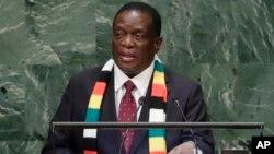UMongameli Emmerson Mnangagwa ngesikhathi esethula umbiko wakhe kunhlanganiso emhlanganweni weUnited Nations General Assembly.