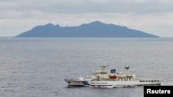 Tàu của Lực lượng Tuần duyên Nhật Bản tuần tra gần khu vực đảo Senkaku (Điếu Ngư) có tranh chấp ở Biển Hoa Đông.