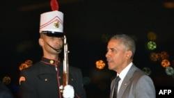 Presiden AS Barack Obama tiba di bandar udara Tocumen di Panama City (9/4). (AFP/Mandel Ngan)