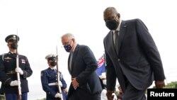 澳大利亚总理莫里森到五角大楼与美防长奥斯汀(右)会晤(路透社2021年9月22日)