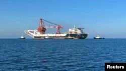 """Anija ruse """"Fortuna"""" përdoret për shtrirjen e tubacioneve nënujore"""