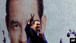 危地马拉喜剧演员、总统候选人吉米·莫拉雷斯。