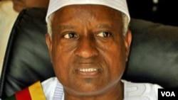 Guine-Bissau: Presidente Serifo Nhamadjo