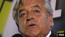 """El ex presidente Luis A. Lacalle, que fue candidato presidencial por el Partido Nacional, dijo que irá a la reunión con Mujica """"sin preconceptos""""."""