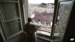 Papa Franja obraća se vernicima