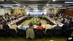 El Mercosur se ha transformado más en un frente político que lo que se supone que fuese: un bloque comercial.