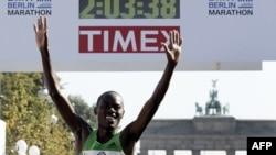Svetski rekord: Makau ulazi u cilj na maratonu u Berlinu, prošlog septembra