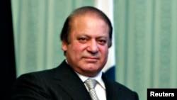 ټول پاکستان کې دنهې په ورځ مسلمانان داسلام دستر پيغمبرحضرت محمد(ص) دزيږون ورځ نمانځي اؤ په دغه موقع څلورو واړو صوبو کې سخت امنيتي گامونه اخستل شوي دي.