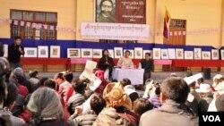 Warga Tibet di pengasingan mendesak internasional agar menekan Tiongkok lebih tegas untuk menanggapi protes rakyat Tibet (foto: dok).