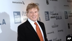 Honoree Robert Redford arrives at the 42nd annual Chaplin Award Gala at Alice Tully Hall in New York, April 27, 2015.