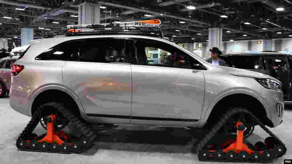 نمایشگاه اتومبیل واشنگتن کیا Model: Sorento Ski Gondola