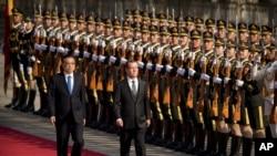 中国总理李克强2017年11月1日主持仪式欢迎俄罗斯总理梅德韦杰夫到访