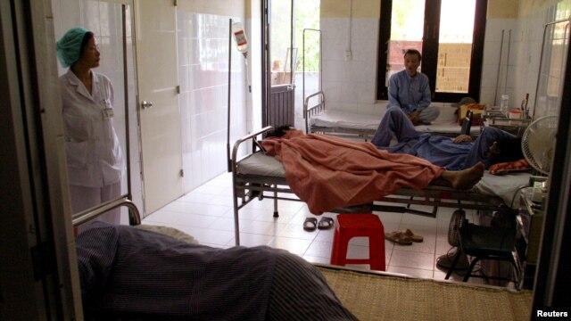 Bệnh nhân nhiễm HIV/AIDS tại một bệnh viện ở Hà Nội.