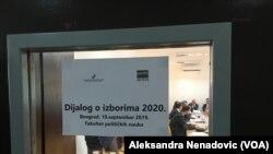 Dijalog opozicije i vlasti o izbornim usklovima prošle godine u Beogradu (Foto: VOA)