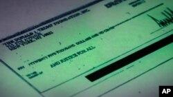 Tài liệu của quỹ cho thấy cơ quan từ thiện này đã chi trả một số hóa đơn cho công việc kinh doanh vì lợi nhuận của ông Trump.