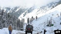 چین اور بھارت کے درمیان سرحد پر تعمیرات کے حوالے سے اختلاف پایا جاتا ہے۔
