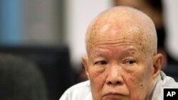 Khieu Samphan, pemimpin tinggi Khmer Merah