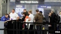 Pihak berwenang AS berusaha memperbaiki sistem pemeriksaan di bandara untuk menentukan penumpang tertentu bisa melewati pos keamanan lebih cepat.