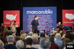 共和党总统参选人马可·卢比奥很可能在新罕布什尔初选中脱颖而出。(美国之音记者方正拍摄)