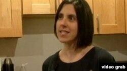 Džen, koja ima dve ćerke, radi kao konsultatkinja
