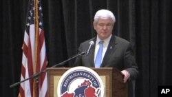美國共和黨總統參選人、國會眾議院前議長金里奇星期四在一次競選籌款早餐會上發表演講。