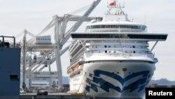 Kapal pesiar 'Grand Princess' terlihat di Port of Oakland di kota Oakland, California, Senin 9 Maret 2020.