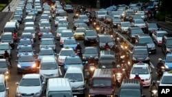 Kemacetan lalu lintas merupakan pemandangan sehari-hari di Jakarta khususnya pada jam-jam sibuk (foto: ilustrasi).