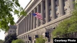 华盛顿的美国商务部大楼(资料照)