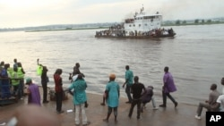 ARCHIVES - Des ressortissants de la RDC rapatriés de force du Congo Brazzaville, le 24 avril 2014.