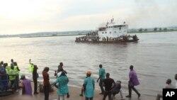 Des expulsés à leur arrivée à Kinshasa en avril 2014.