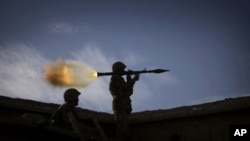 US Suspends $800 Million in Military Aid to Pakistan