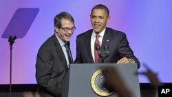 美国总统奥巴马2月28日在华盛顿召开的美国联合汽车工人工会大会上讲话
