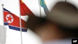 인천아시안게임 선수촌에 북한 인공기가 달려있다. 북한은 28일 인천아시안게임에 응원단을 보내지 않겠다고 발표했다.