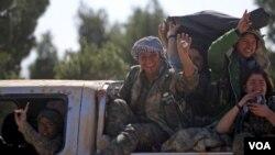 敘利亞民主力量女戰士(2016年2月18日資料照)