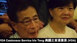 香港大律師公會前主席李柱銘(左)對中國當局大規模拘捕維權律師感到心痛