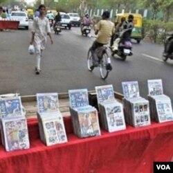 Pembajakan VCD dan DVD film-film produksi Bollywood umum dan marak dilakukan di seluruh wilayah India.