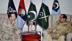 ملاقات دریادار مولن با ژنرال خالد شامین، رییس ستاد مشترک پاکستان در راولپندی- ۲۰ آوریل ۲۰۱۱