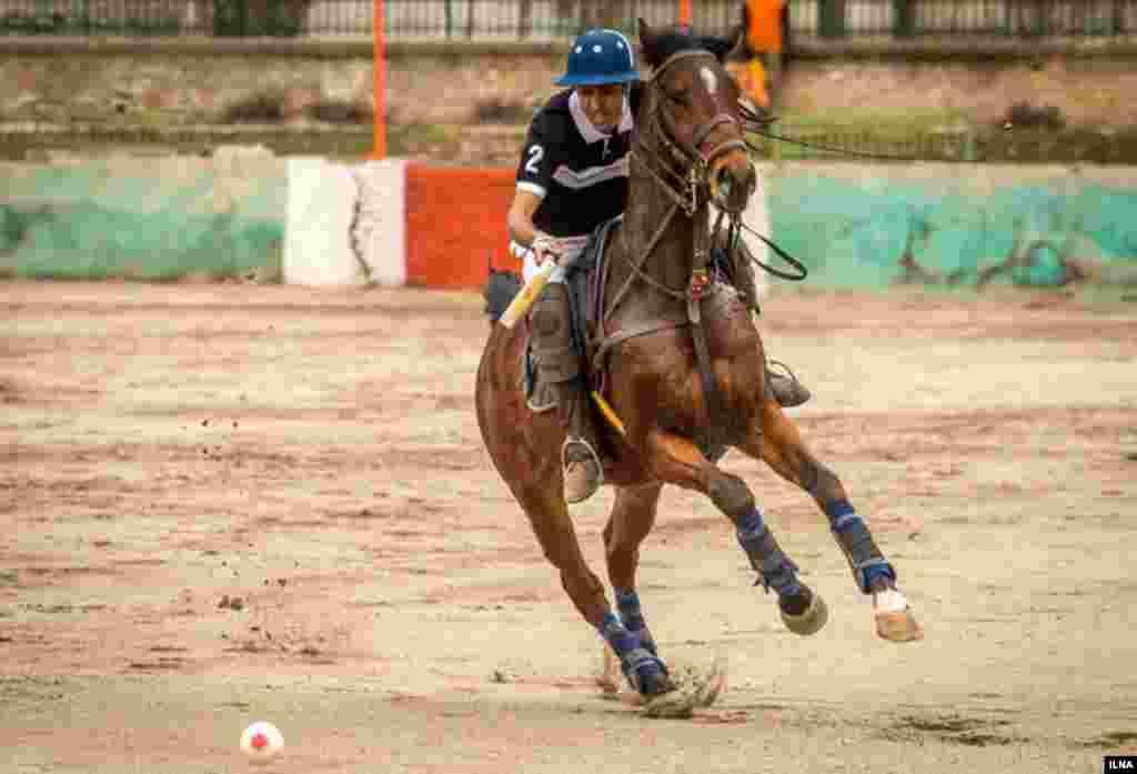 مسابقه ورزش باستانی چوگان در ورزشگاه قصر فیروزه تهران عکس: هادی نوید