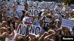 Công nhân viên Tây Ban Nha biểu tình trong thủ đô Madrid, phản đối các biện pháp kiệm ước của chính phủ