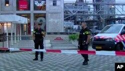 Кордон поліції у Роттердамі 23 серпня 2017р.