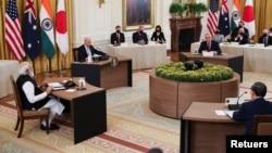 2021年9月24日美國總統拜登(左二)在白宮東廳與印度總理莫迪(左一)、澳大利亞總理莫里森(右前二)和日本首相菅義偉(右前一)舉行四方安全對話