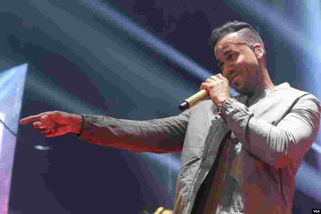 Tras separarse de Aventura, Romeo ha disfrutado de una carrera de tres años como cantante solista, en la que ha tenido siete canciones en el tope de los rankings latinos.