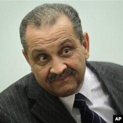 Umushikiranganji ajejwe ibitoro mu gihugu ca Libya Shukri Ghanem.