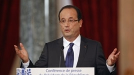 French President Francois Hollande at news conference in Paris Nov.13, 2012