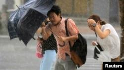 日本继续遭受风暴袭击