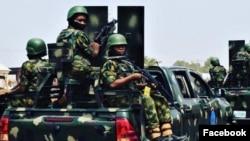 Sojojin Najeriya a wani aikin sintiri da suka yi (Facebook/ Nigerian Army)